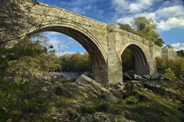 devils bridge at kirkby lonsdale with foreground and sky