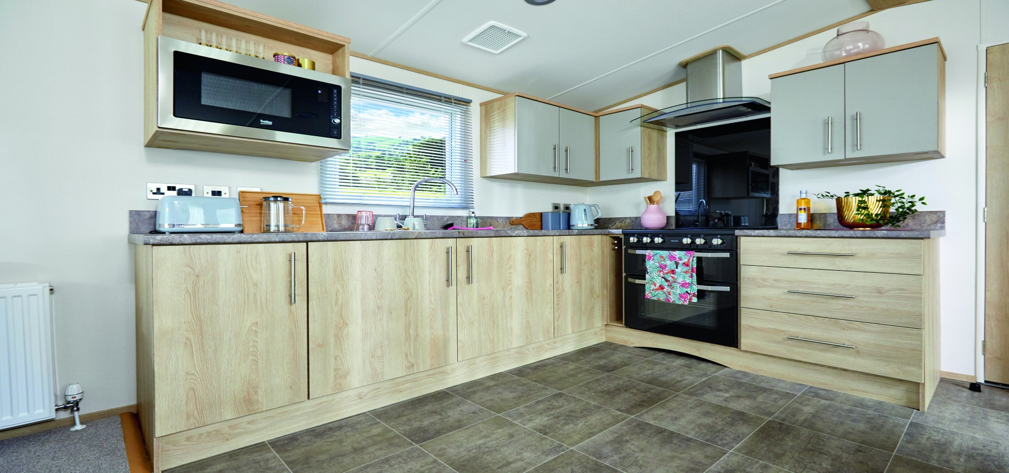 2020-ABI-Beverly-kitchen-resized